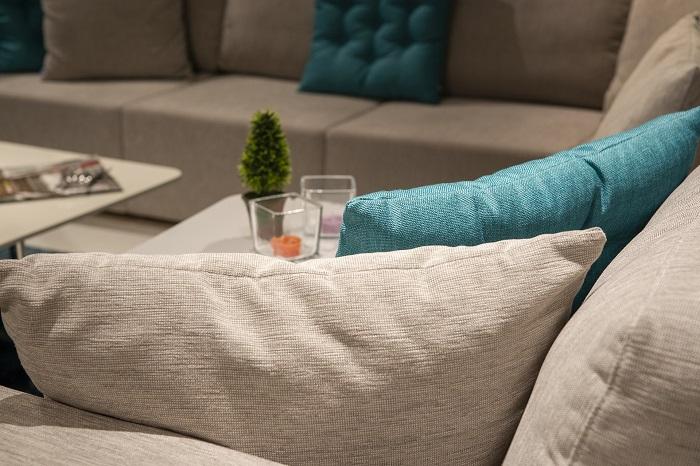Ako zariadiť obývačku pekne a lacno?